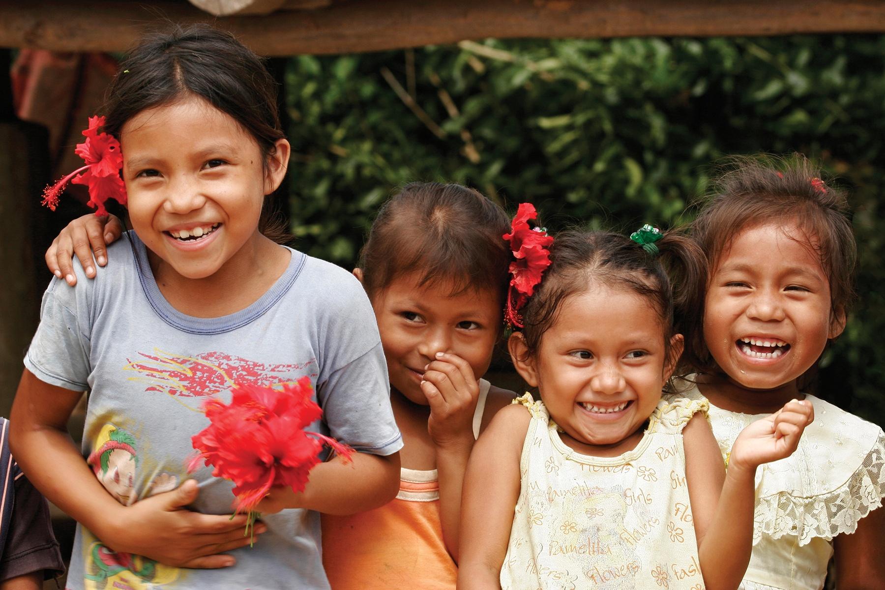 amazon-village-children2