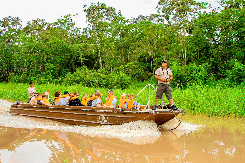 excursion-boat-1