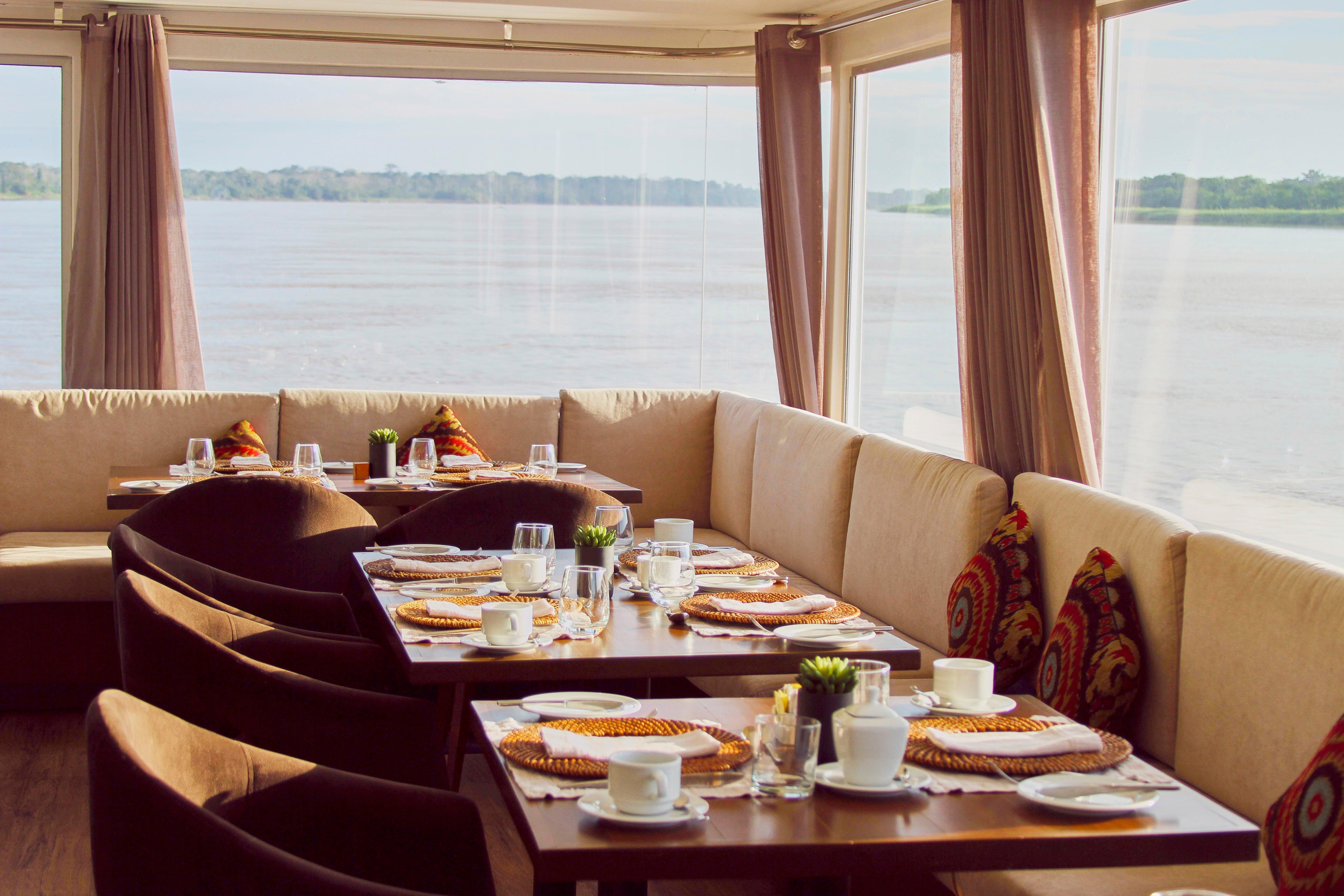 zafiro-Dinning Room