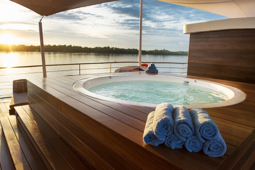 zafiro-Outdoor Lounge - Hot Tub